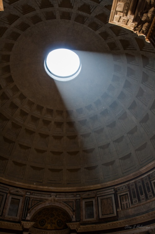 Inside view of the Pantheon